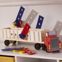 סט בנייה משאית מעץ