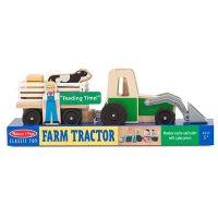 טרקטור וחווה מעץ