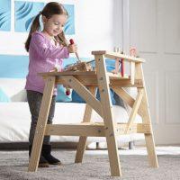 עמדת נגרות מעץ לילדים