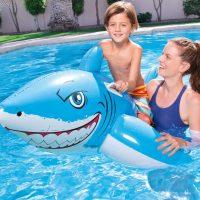 בובת כריש מתנפחת לבריכה