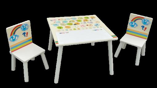 """שולחן מעץ לילדים עם 2 כיסאות ללימוד אותיות א'-ב' ומספרים הכולל משטח כתיבה מחיק עם שורות """"חכמות"""" לתרגול כתיבה."""