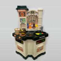 מטבח צעצוע לילדים מפלסטיק עם תאורה וצלילים הכולל שעון, כיור עם ברז, כיריים גז, תנור, מקרר בר מים, אוכלים ושתייה, פירות וירקות.